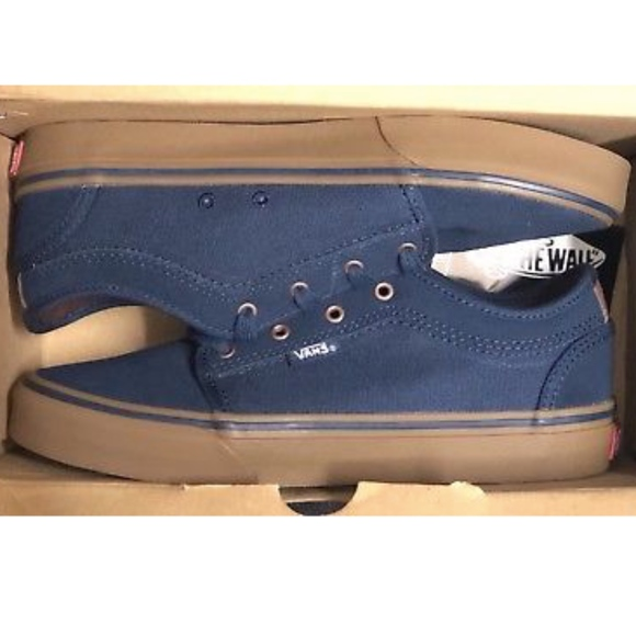 f32430a00a9c89 Vans Chukka Low Rich Navy Gum Shoes Size Youth 4.5